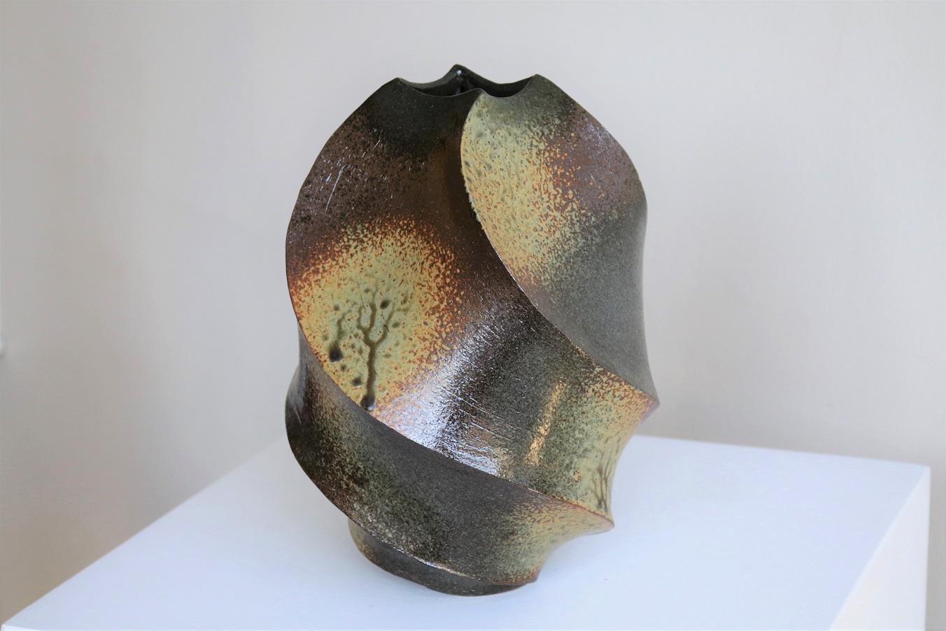 Terunobu Hirata, Up-Spiral,  stoneware, ash glaze, H26cm, 2018 SOLD