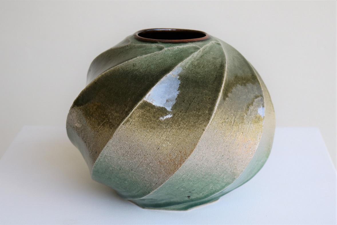 Terunobu Hirata,  Twist Facetted Vase,  stoneware, ash glaze, H17.5 x D21.5cm, 2017 SOLD