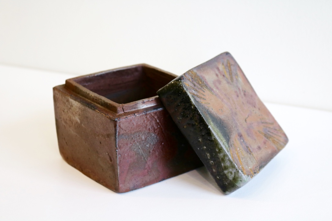 Yuri Wiedenhofer, 45.  Hollowed Block Box,  2018, Tanja clay, high iron / light iron content marbling, 5.5 day wood firing, Yellow Stringy to start, Black Wattle and Hickory, Melaleuca to finish, Pittosporum undulata (green) final stoke SOLD