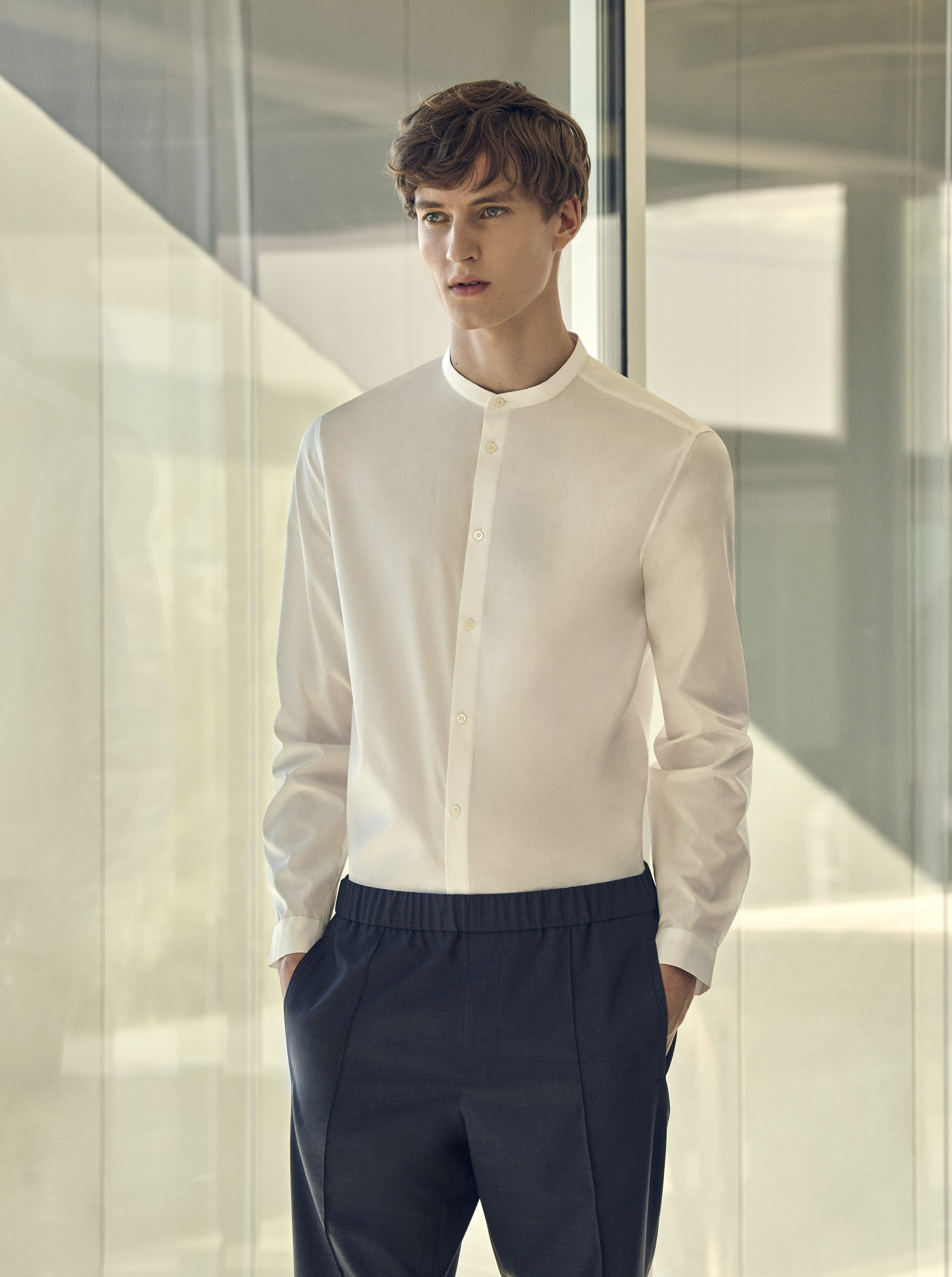 Narrow granddad collar shirt (59€) + Elasticated waist trousers (79€)