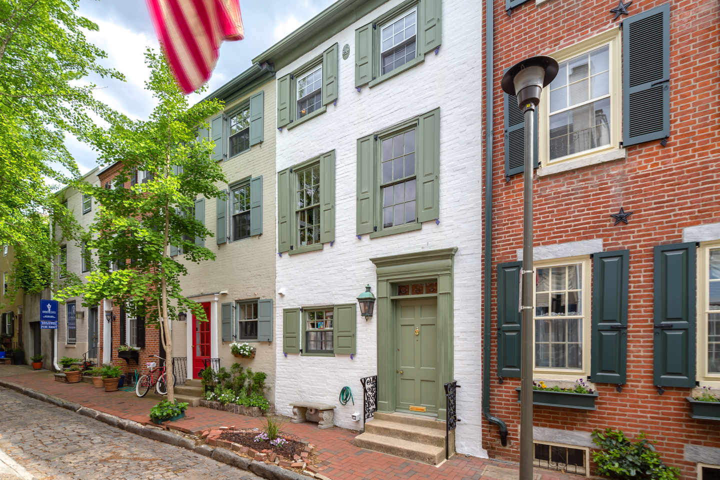 Big home on charming Fitler Square street lists after 25 years