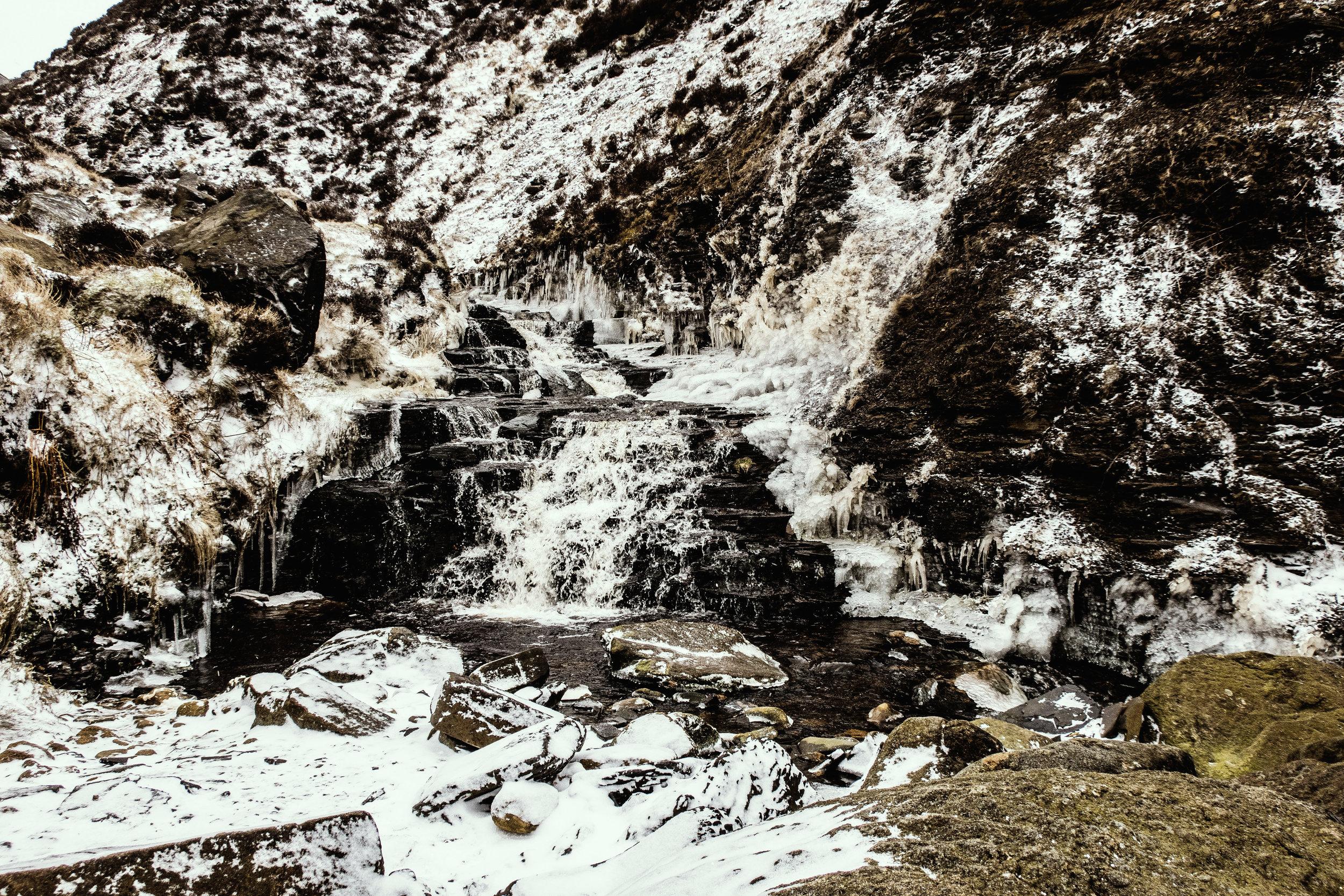 A frozen waterful