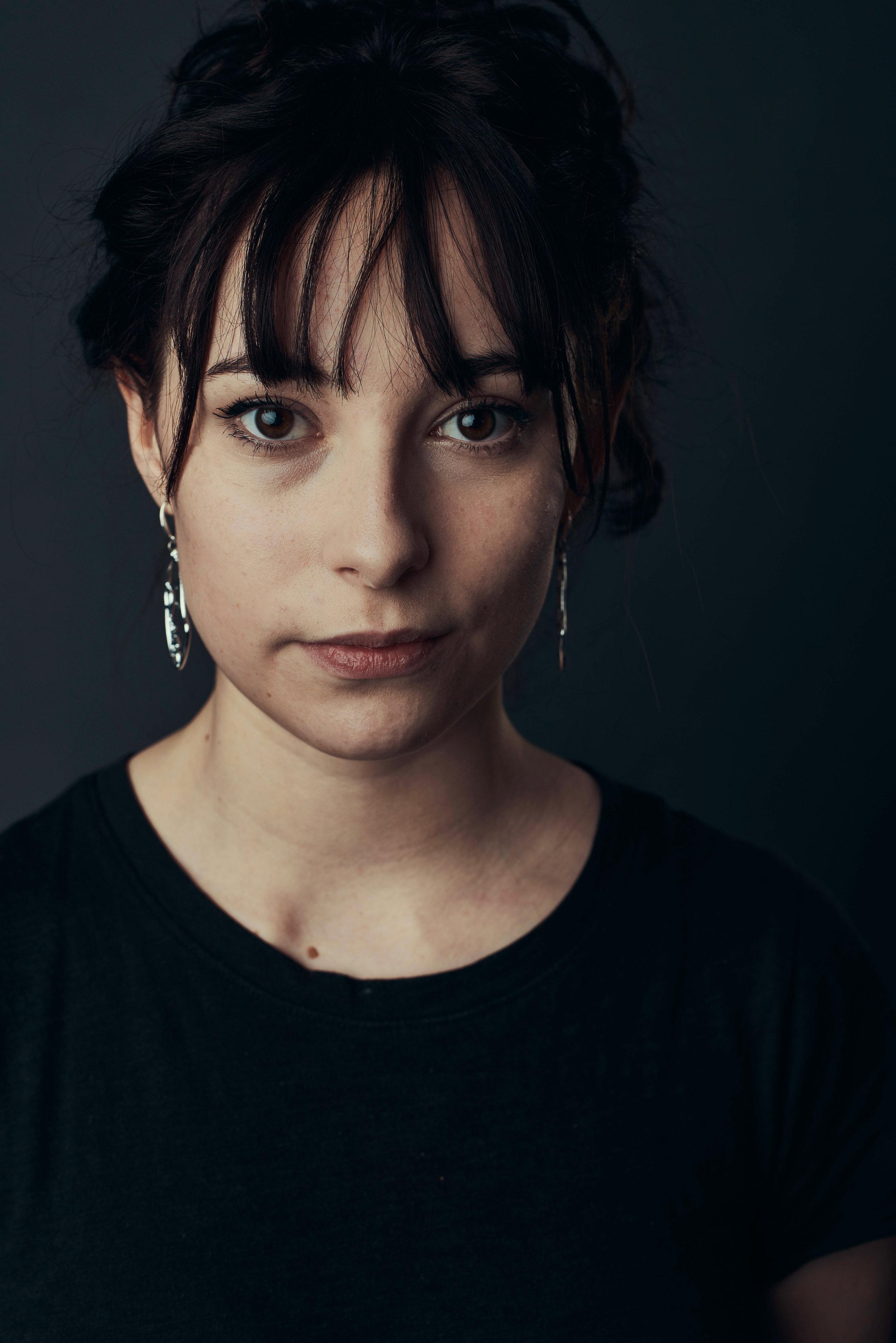 Lucy Headshot