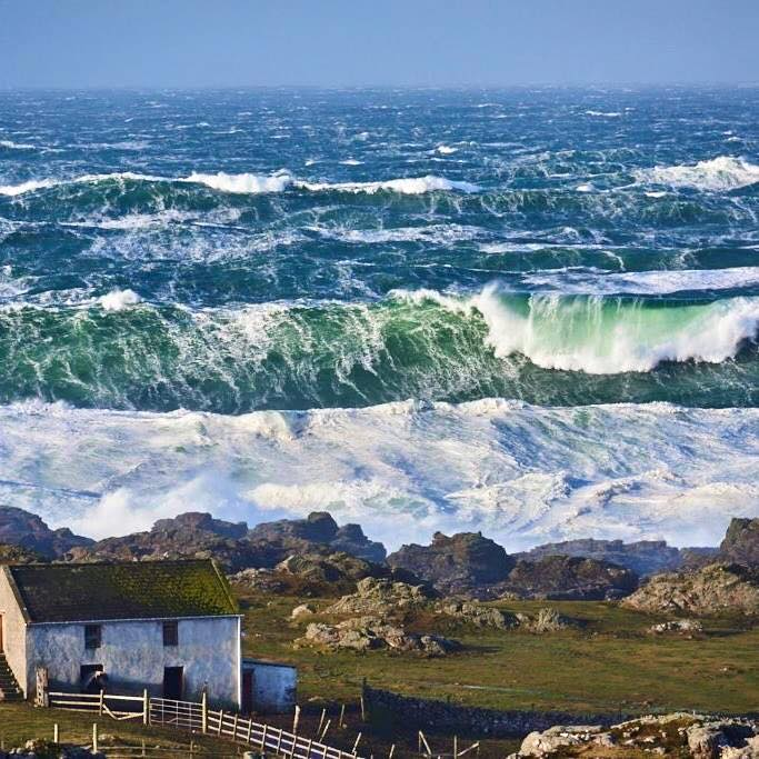 malinhead waves.jpg