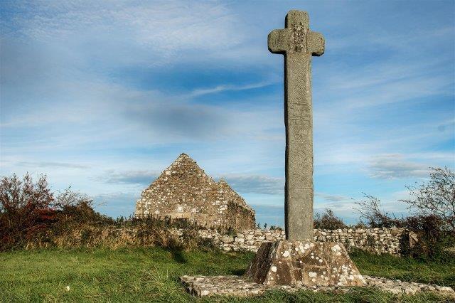 Culdaff Cloncha Cross and Chapel - Cloncha-cross-and-church_DSC9942-Edit (Large).jpg