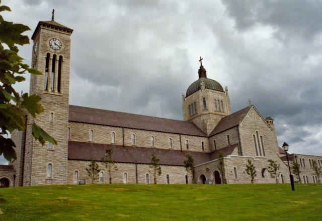 Church_of_the_Sacred_Heart.jpg