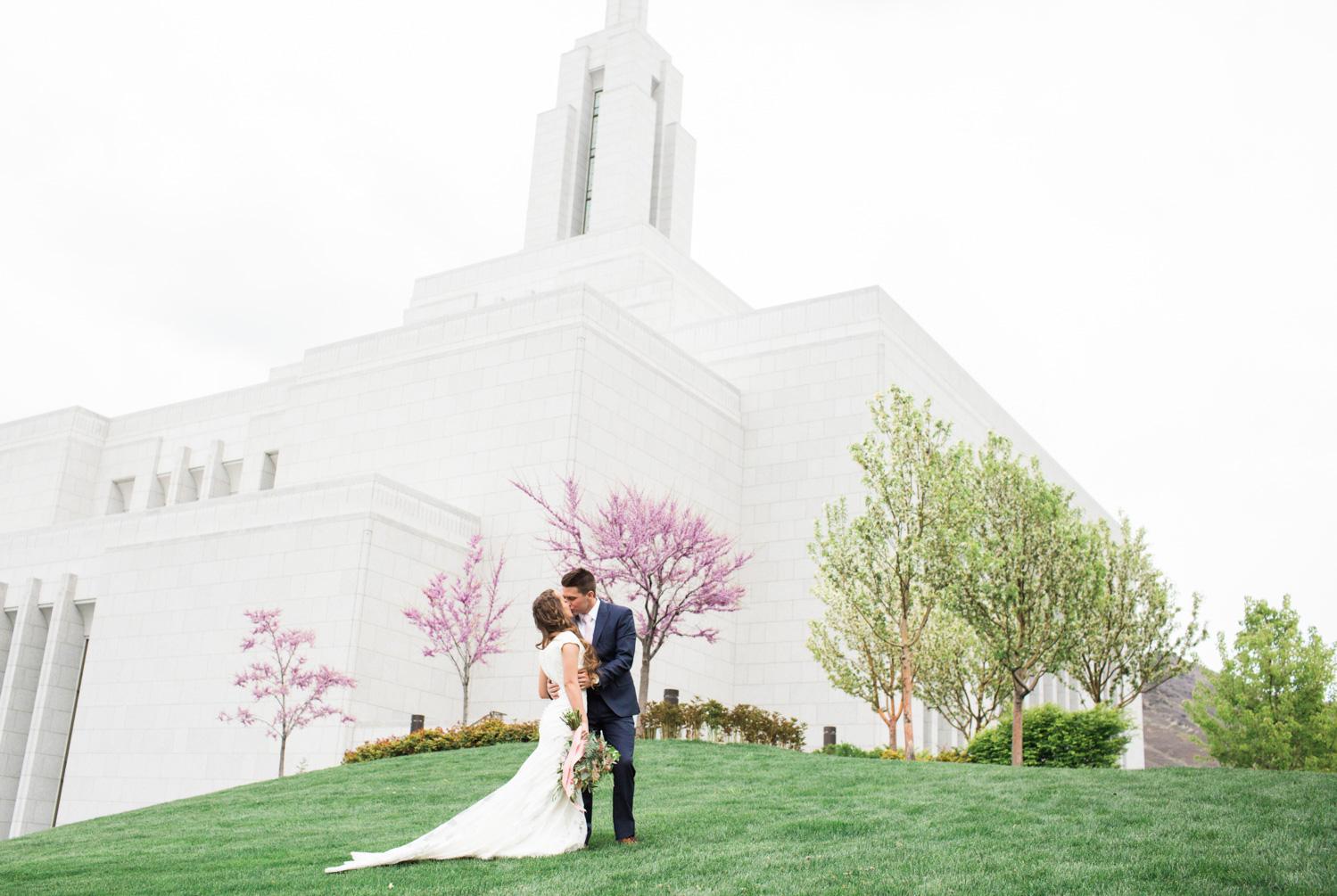 Ashley-Devin-Wedding-MFelt-32.jpg