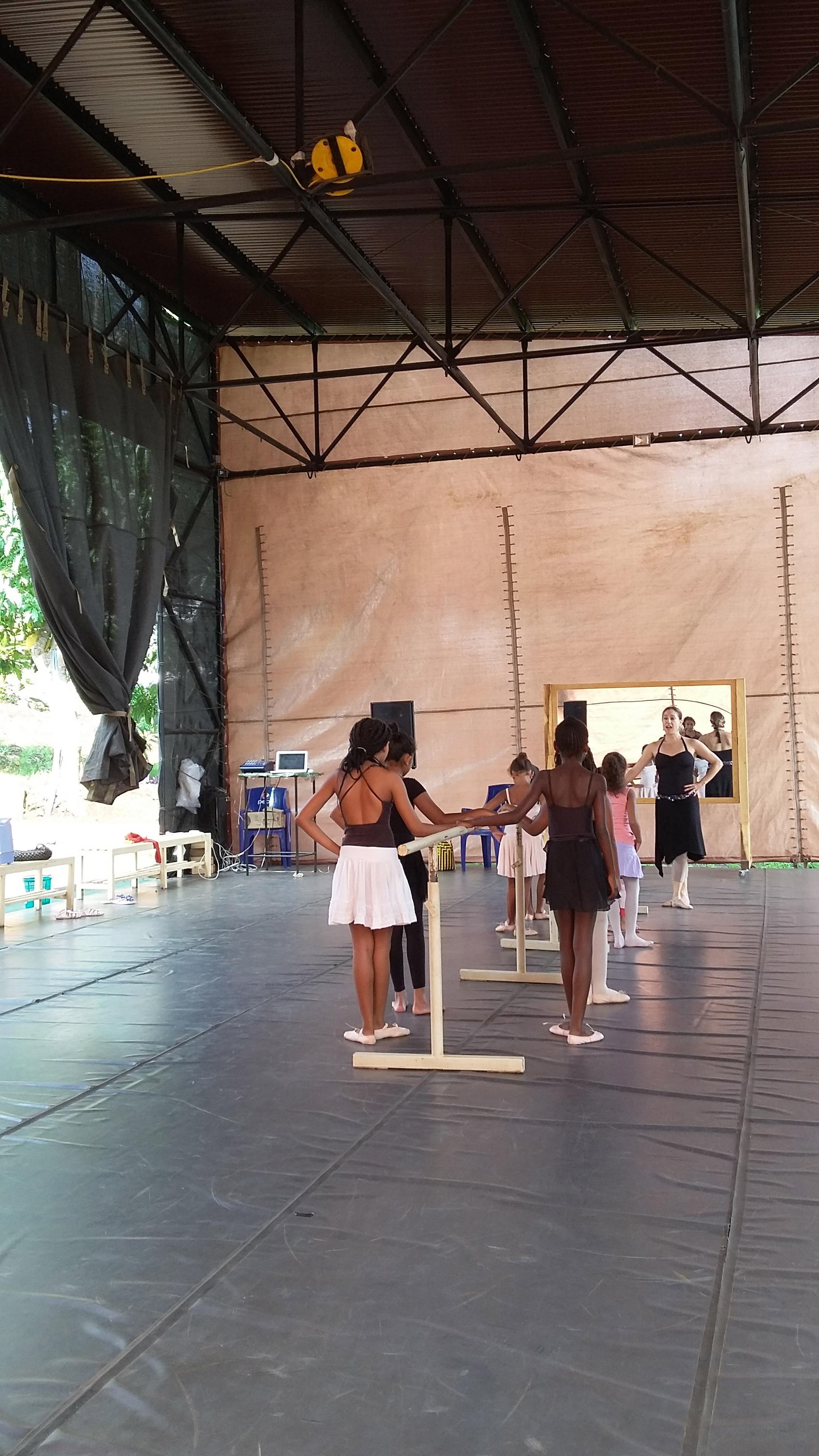 Ballet kids Anna ibuka.jpg
