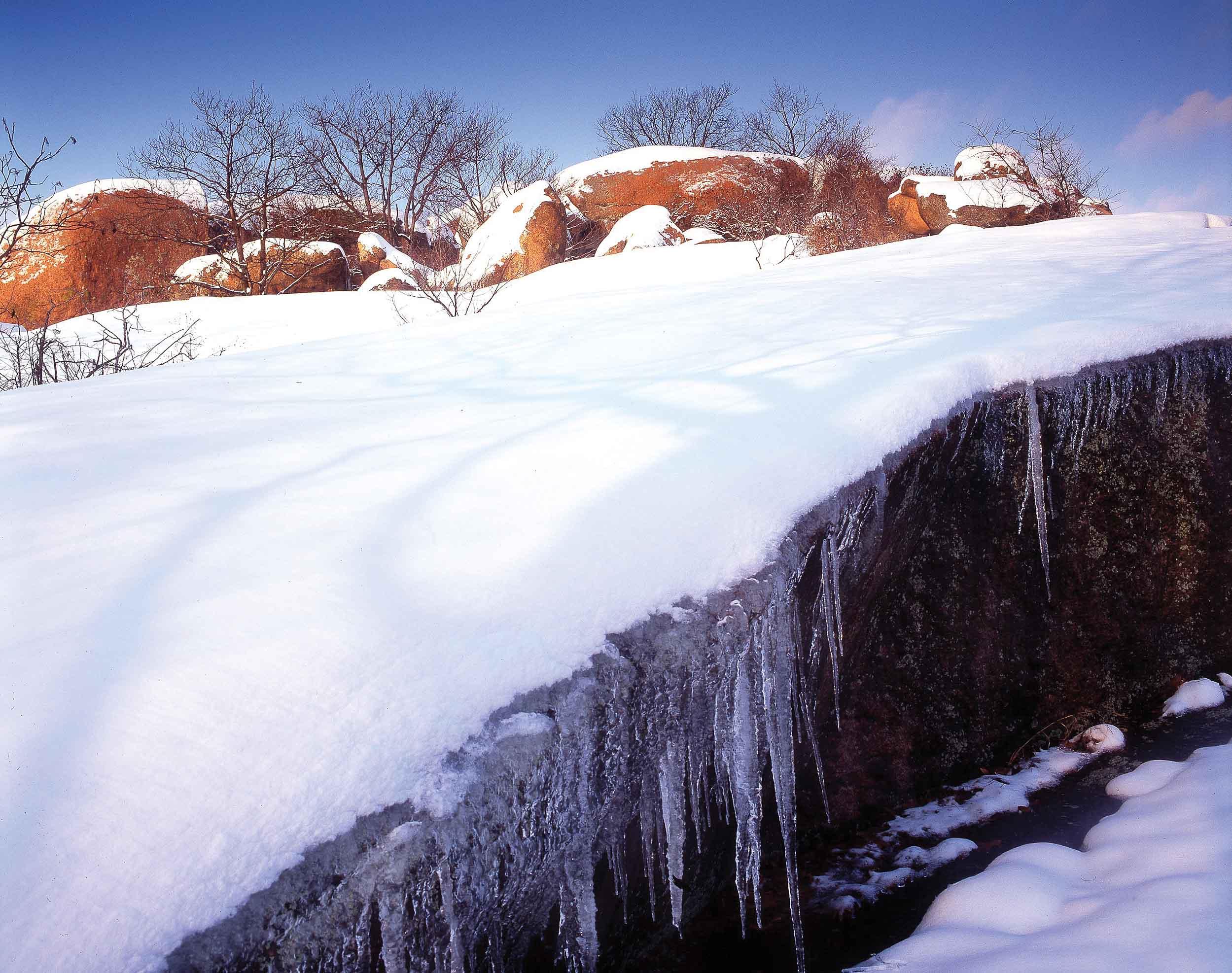 Elephant Rocks in Winter