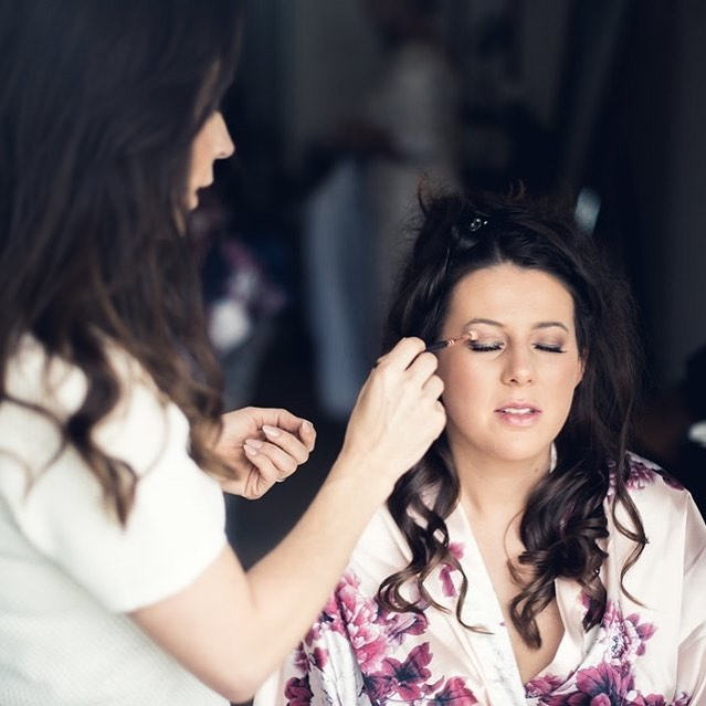 🥰The prep stages 🥰 love this bit when my bride gets to sit and be pampered with a glass of fizz (or a brew!) Then I remind them it's only a few hours until Miss turns to Mrs and freak everyone out !😂🙈 #mydoll #jess . . . .  @gregmalloyhairdressing  @lakelandphotos  @innonthelakeweddings . . #weddingfun  #lakeswedding  #brideof2019  #ido #weddinginspo  #bridestory  #engaged💍  #isaidyes💍  #gettingmarried  #myvenue #ourweddingstory