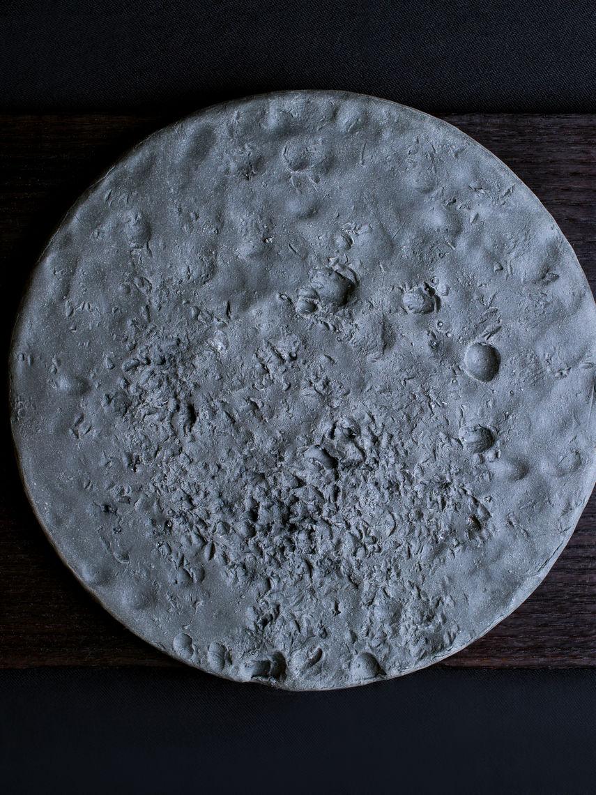 cjsf277lr0c5kz3cjfy4eczmr-gregg-moore-7a-black-porcelain-pecking-plate.1440.0.2880.3840.full.jpg