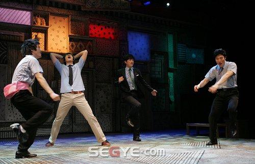 2009 production at Chungmu Art Hall, Seoul, dir. Byun Jung-Joo. Starring Kim Jae-Bum, Shin Sung-Lok, Bang Jin-Eui, Son Hyun-Jung, Kim Jin-Hi, Jeon Jae-Hong, Jin Sang-Hyun,Yoon Seok-Won, Yook Hyun-Wook, and Yoo Ki-Ho.
