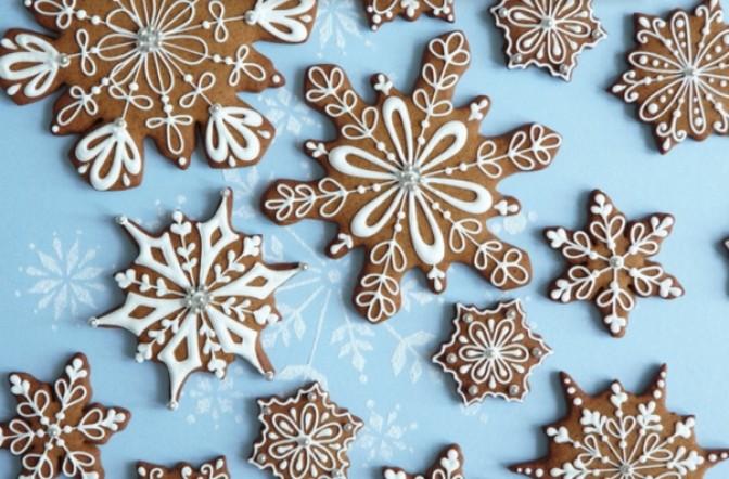 Gingerbread_snowflakes.jpg