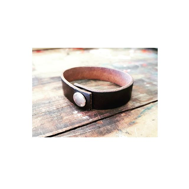 NEW IN STORE..... Accessories.... androginous - whatever your mood 🤘🏻 . £14 (+p&p) . #androgynous #wrist #leather #mood #black #tan #darktan #whatever