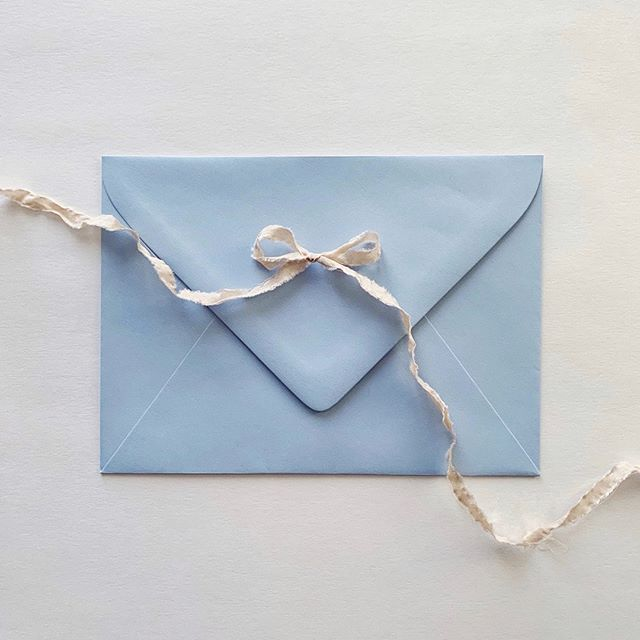 One of my favourite things about invitations is the opportunity to put together a really special experience for your guests right from the moment they receive their envelopes. 💌  I've been lucky enough to work with some incredibly inspiring colour palettes lately for weddings later this year. 😍  What colours have been catching your attention lately? I personally can't get enough of this blue at the moment ☝🏼💫