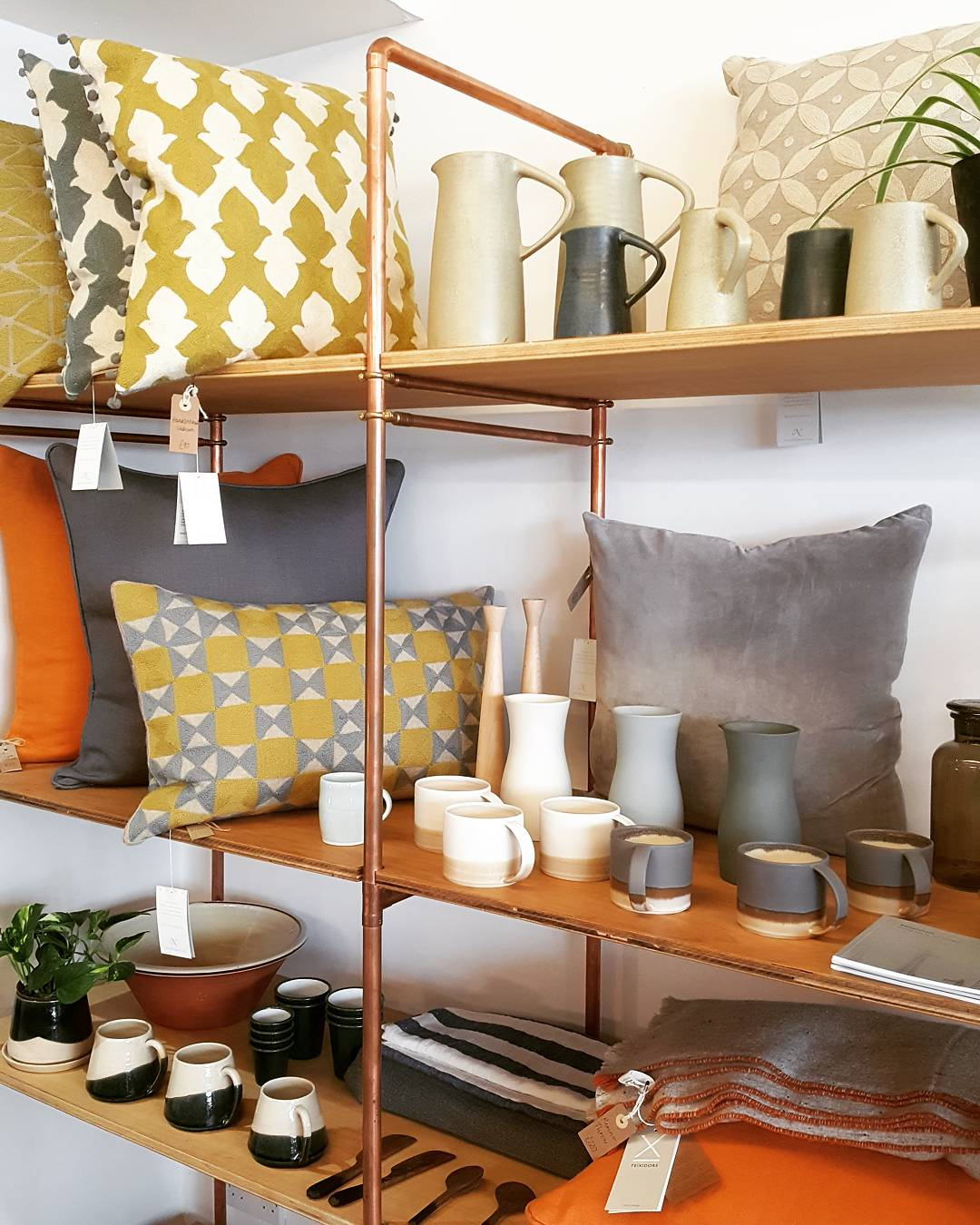 Clever coppoer pipe shelving solutions