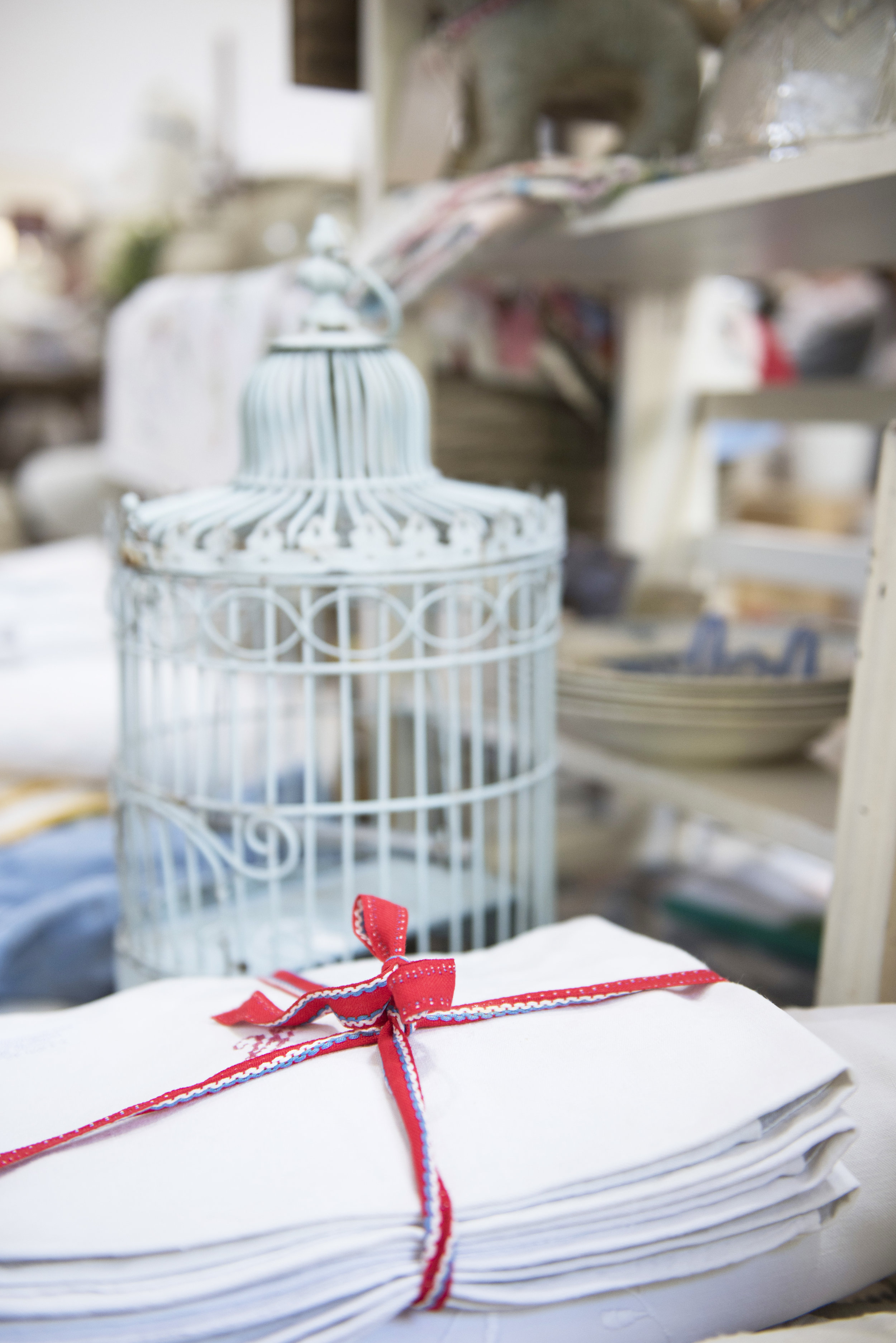 Gorgeous linens on display from  Dorothy Stiven