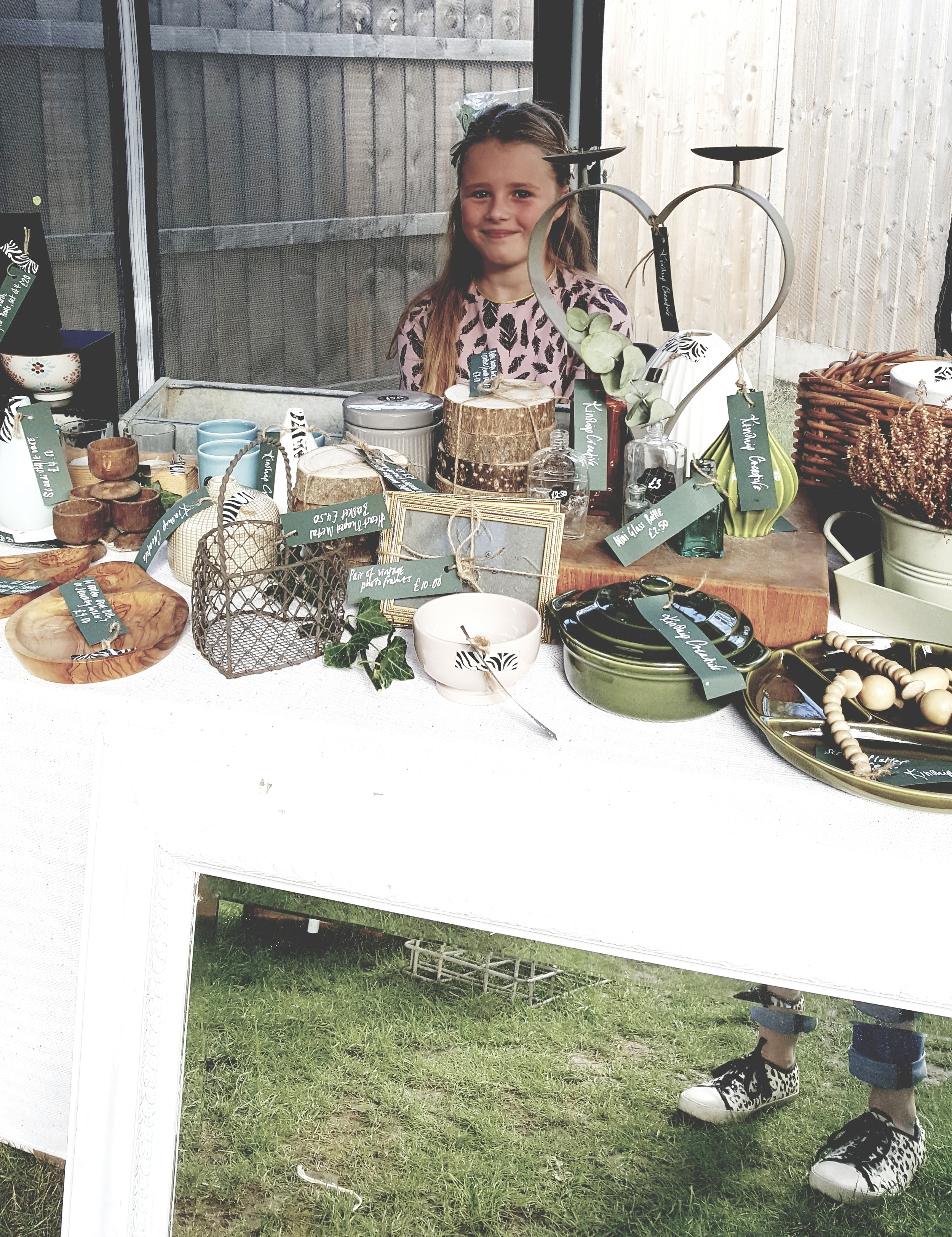 Whilst mum Kay was upstairs running our workshop daughte Bella aka Mini Kinship was downstairs running the family business behind the Kinship Creative stall.
