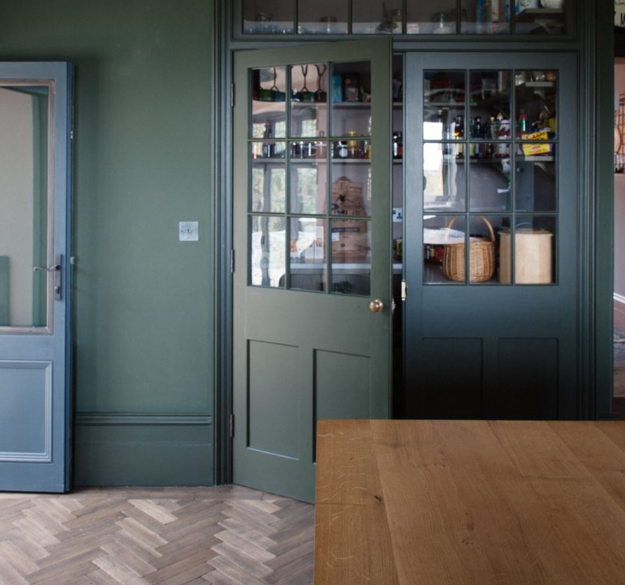 These timber doors from Plain English (pic credit  www.remodelista.com ) made me realise that there was life after crittal!