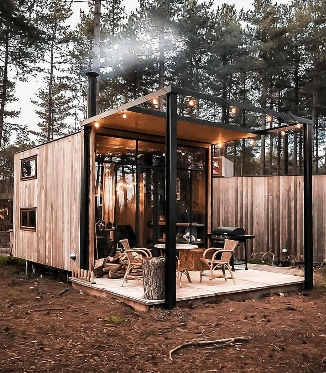 The rustic cabin picture that popped up on my Instagram explore page