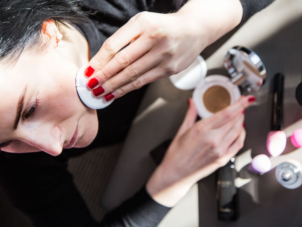 Foundation Reviews: Choosing the Best Product for Your Skin Type