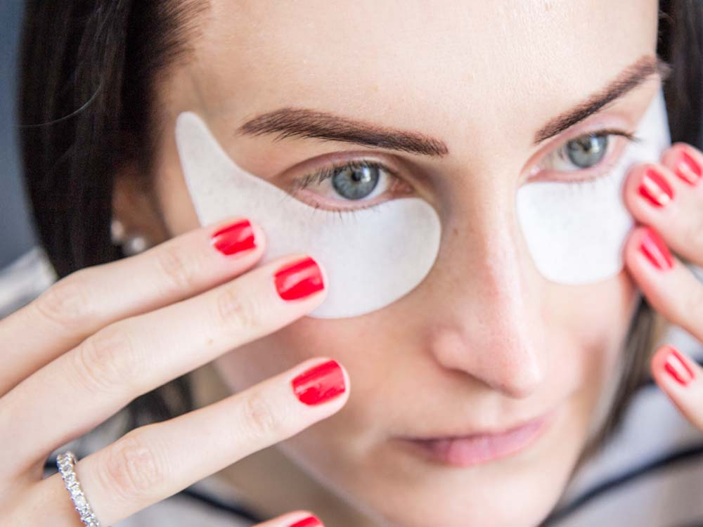Ultimate Travel Skincare Advice; Look Good on the Go, Skyn Hydro Cool Firming Eye Gels Application