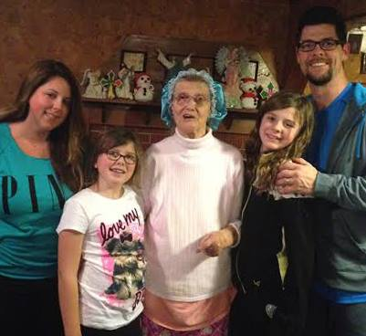 Shellye Crabb, Emma, Grandmother Billie Richardson, Ashleigh, and Jason Crabb