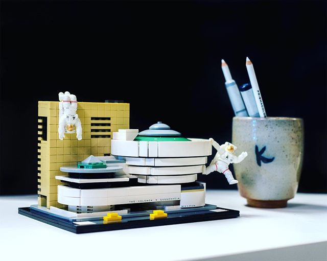 Some office decorations to keep the juices flowing. Shoutout to @mizunoceramics for the awesome mug and to @legoarchitecture for their amazing NYC Frank Lloyd Wright Guggenheim model. • • • • • #guggenheimmuseum #guggenheim #franklloydwright #franklloyd #industrialdesign #officedecor #officelife #officelifestyle #designlife #designing #legoarchitecture #legoarchitecturestudio #legos #legofan #industrialdesigner #design #tabledecor #kentomizuno #designerlife #idstudio #id