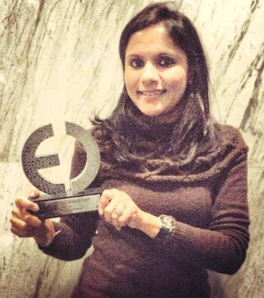 Natasha Agarwal with the award