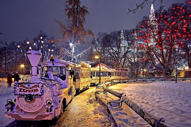 Merry Christmas from Easy Go Traveler! Where did your travels take you this holiday season? #EasyGoTraveler #LearnToWander #Travel #Wander #Christmas #ChristmasMarkets #Snow #Vienna #Europe #holiday #traveller #destination #pointsandmiles