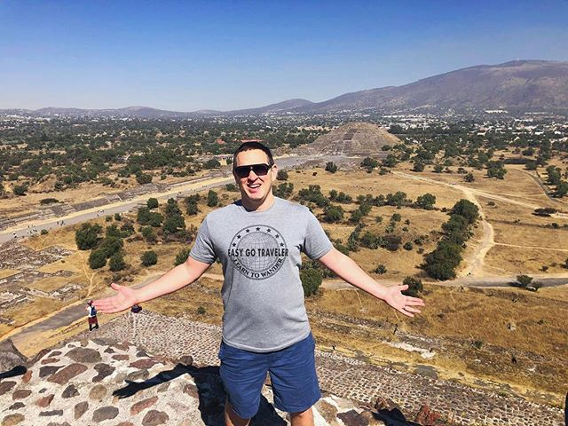 Easy Go Traveler Ben made his second visit to the pyramids at Teotihuacán, and his second trip to Mexico City thanks to Alaska Airlines Mileage Plan's generous stopover rules. We make sure our members always maximize the value of their points!👍🏼 . . . #EasyGoTraveler #LearnToWander #wanderlust #mexico #mexicocity #travel #travelling #instatravel #wander #vacation #pointsandmiles #pyramids #trip #flight #airplane #plane #views #landscape #travelaroundtheworld #wandertheworld #instatravelgram #instatravelling #intstatravel #travelmexico #travelphotography #explore #teotihuacanpyramids #teotihuacan