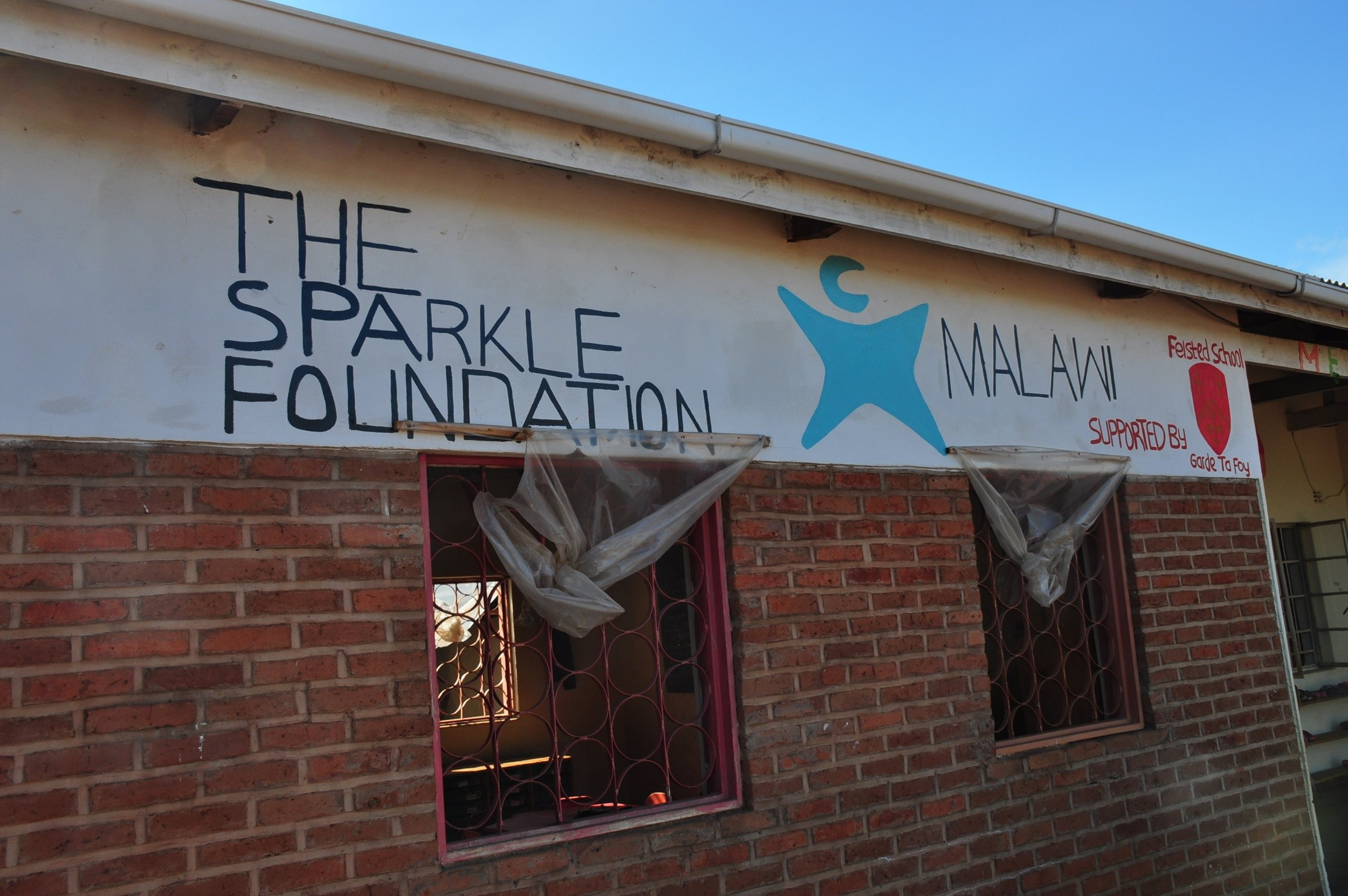 - Sparkle provides pre-primary school education, meals and some clinic services to vulnerable families in villages around Zomba where the major health needs are malnutrition,  peri-natal conditions and a range of infectious diseases including HIV.