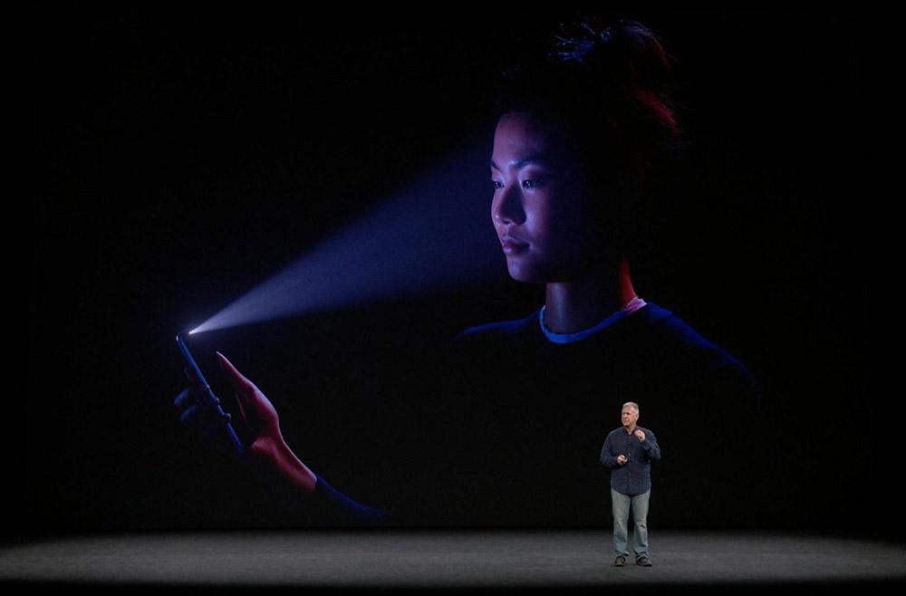 1-iphone-face-id-sostituira-touch-id-iriparo-roma-prati-news.jpg