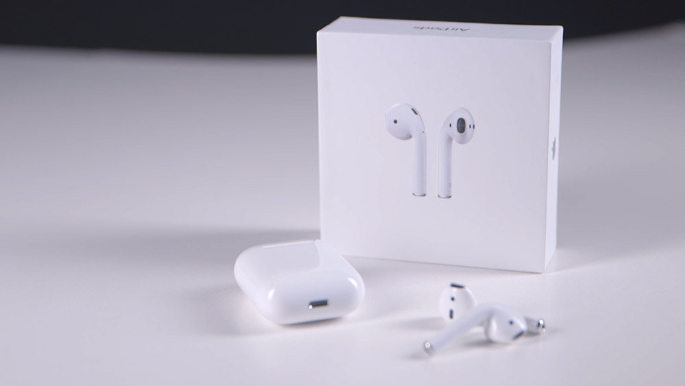 1-airpods-apple-annuncia-i-nuovi-auricolari-wireless-iriparo-prati-roma-news.jpg