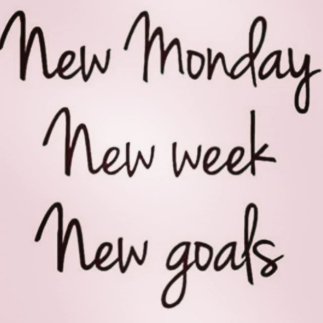 An even split of hard work and relaxation is on my goal list this week. What's on yours? #hellomonday #mompreneur #brooklynphotographer #creativepreneur #nycphotographer #workisntworkifyouloveit #settinggoals #createyourlife