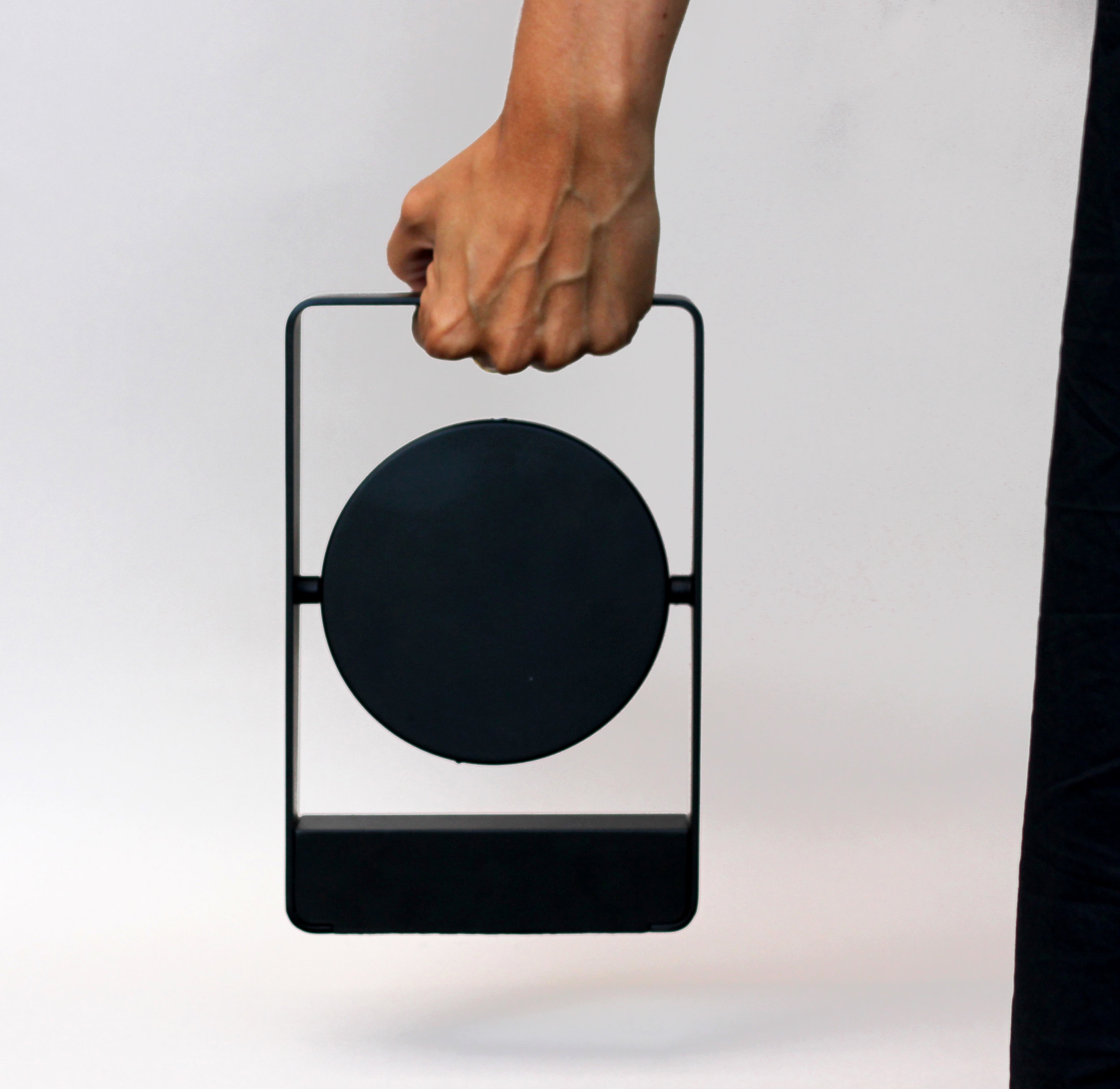 mouro_portable_light_black_back.jpg