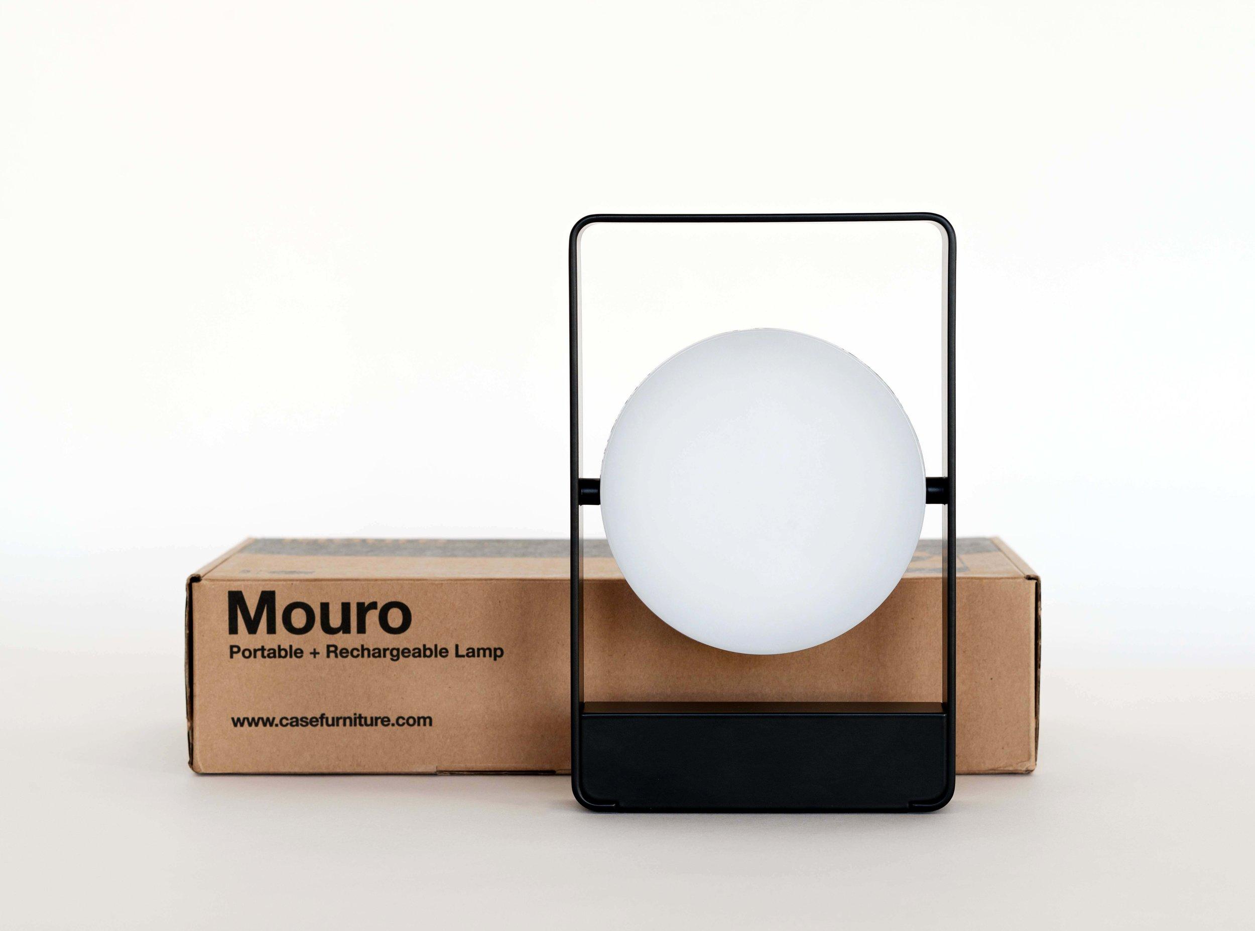 mouro-portable_light_box_low2.jpg