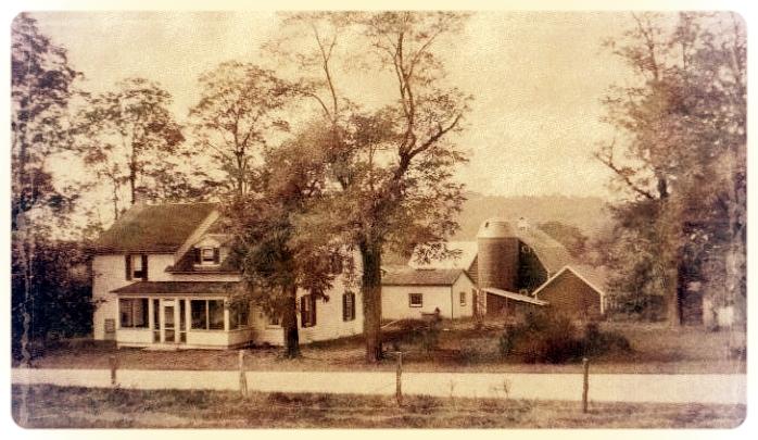 Ryan Farm-Barn with Silo 1939.jpg