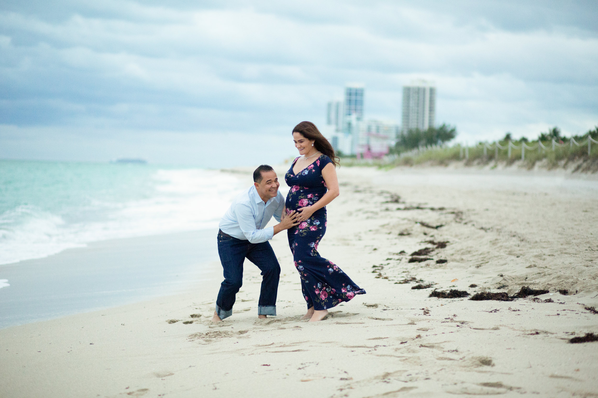 maternity photo on beach