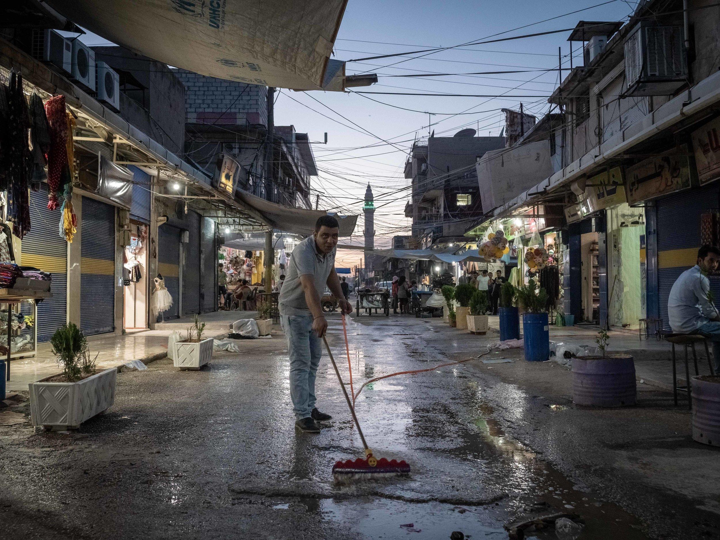 30/05/19, Al Qamishli, Syria - The market of Qamishli