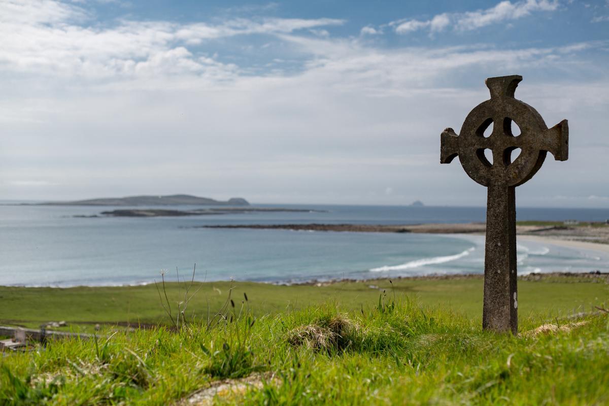 1200-493955363-celtic-cross.jpg