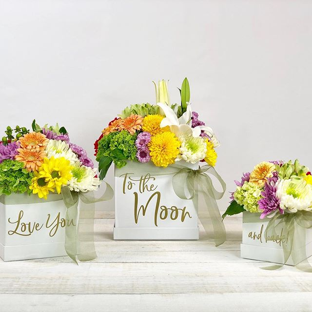 Let the Mother's Day countdown begin! Remind mom how much you love her with a trio of fresh blooms! Place your Mother's Day orders NOW! 💐🍃 #theresabloomboxforthat