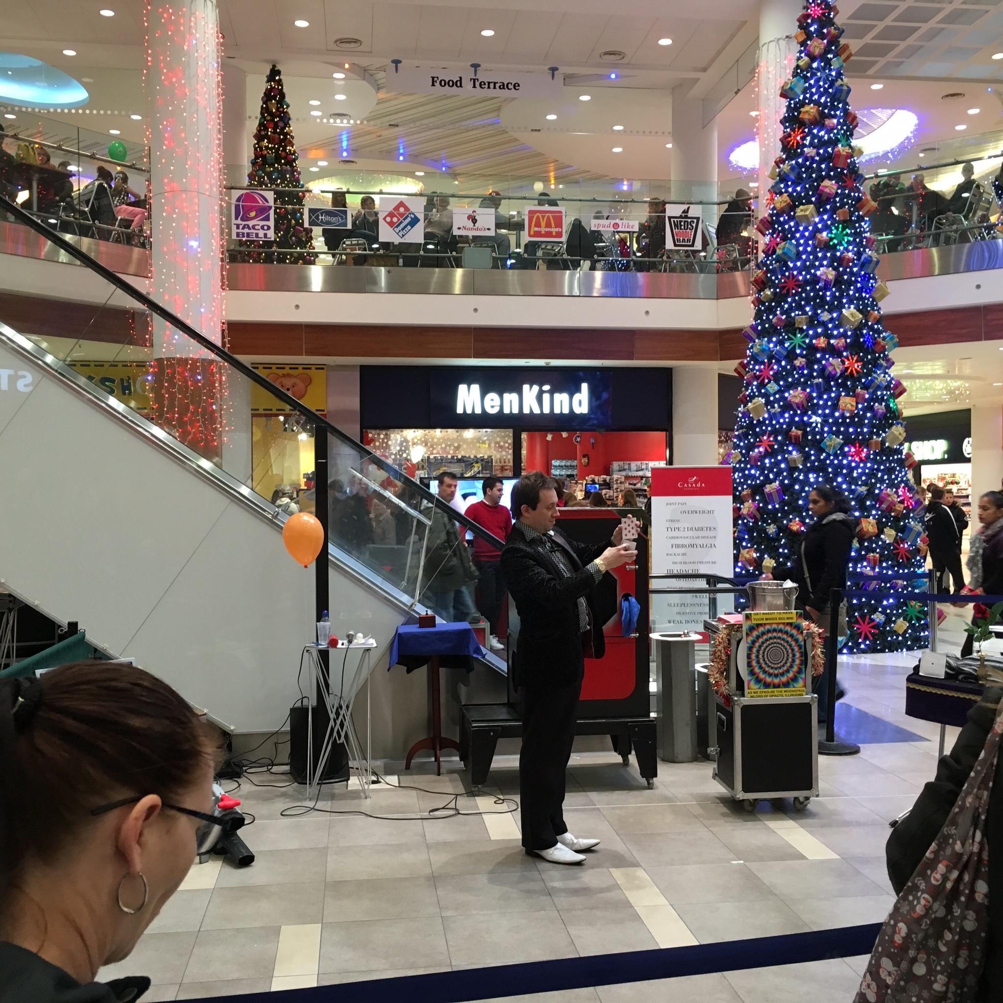 Eastgate Shopping Centre, Basildon Magician