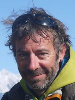 AntoineMugshot 300 by 400.jpg