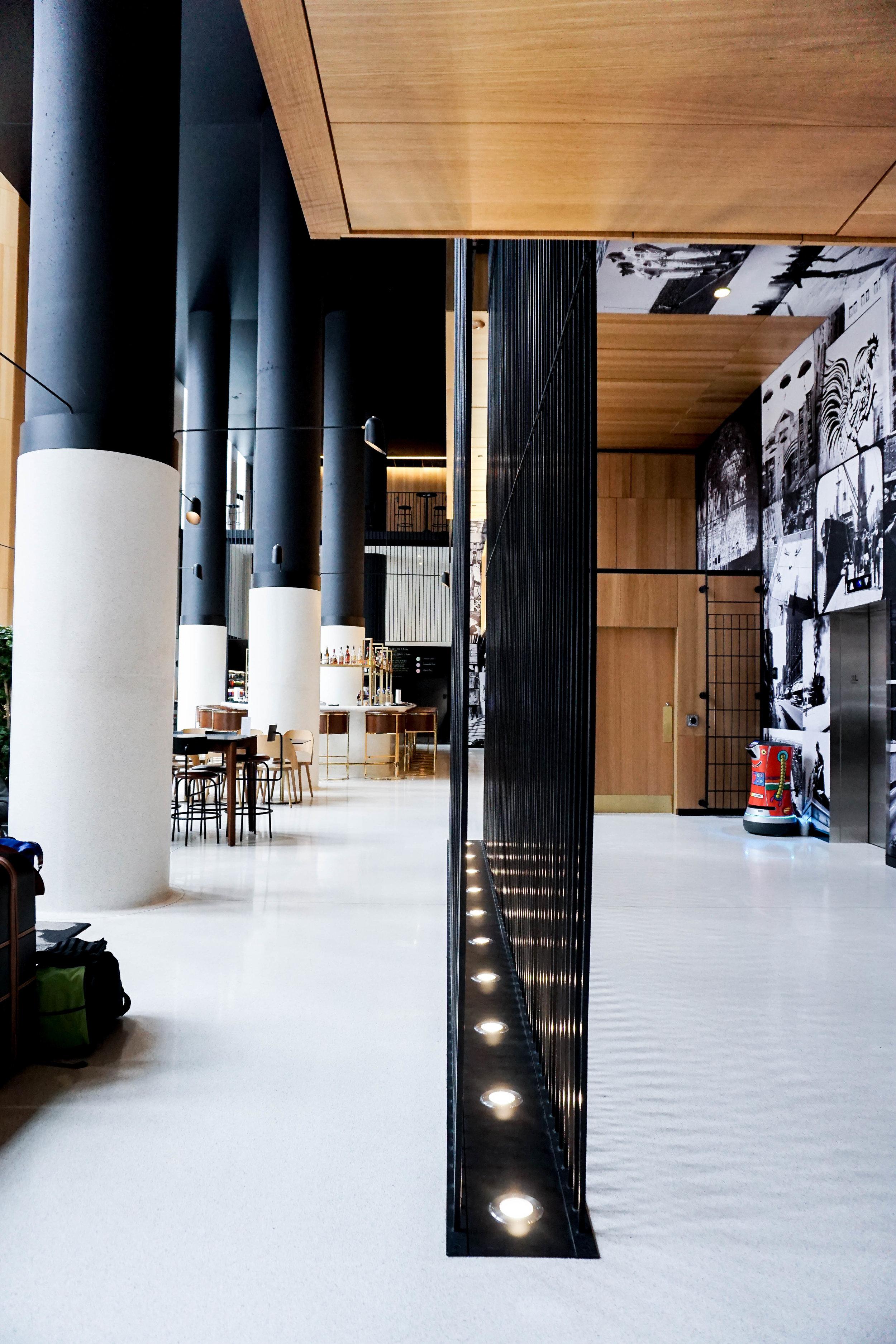 HOTEL MONVILLE, MONTREAL, QUEBEC