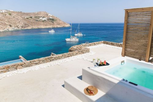 Always Looking For The Magic - Nicole Toland - Mykonos Travel Guide - Travel Design Blogger - Hotel My Aktis