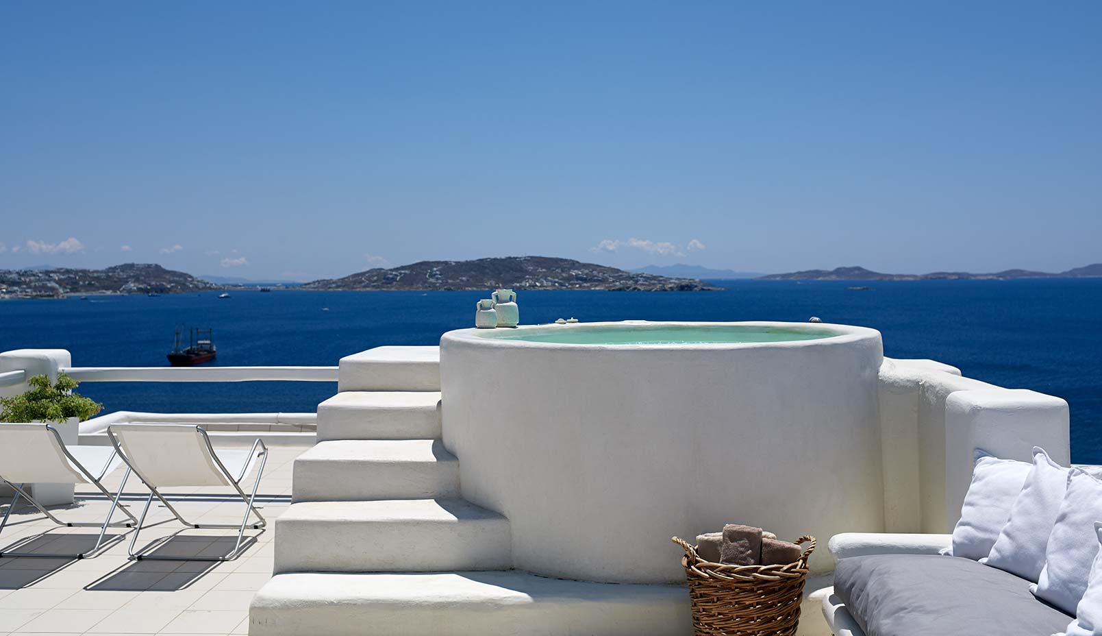 Always+Looking+For+The+Magic-Nicole-Toland+Design+Travel+Blogger+The+Stay+List+Rocabella+Hotel+Mykonos