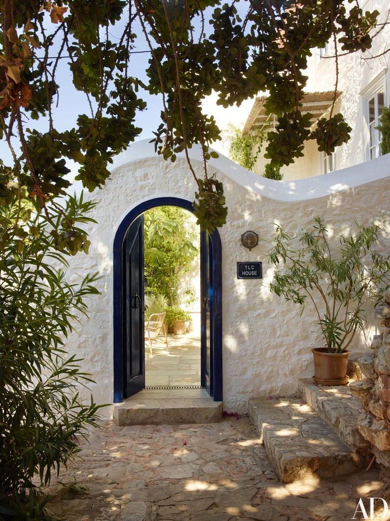 Always Looking For The Magic _ House Tour _ Nicole Toland _ A Greek Retreat