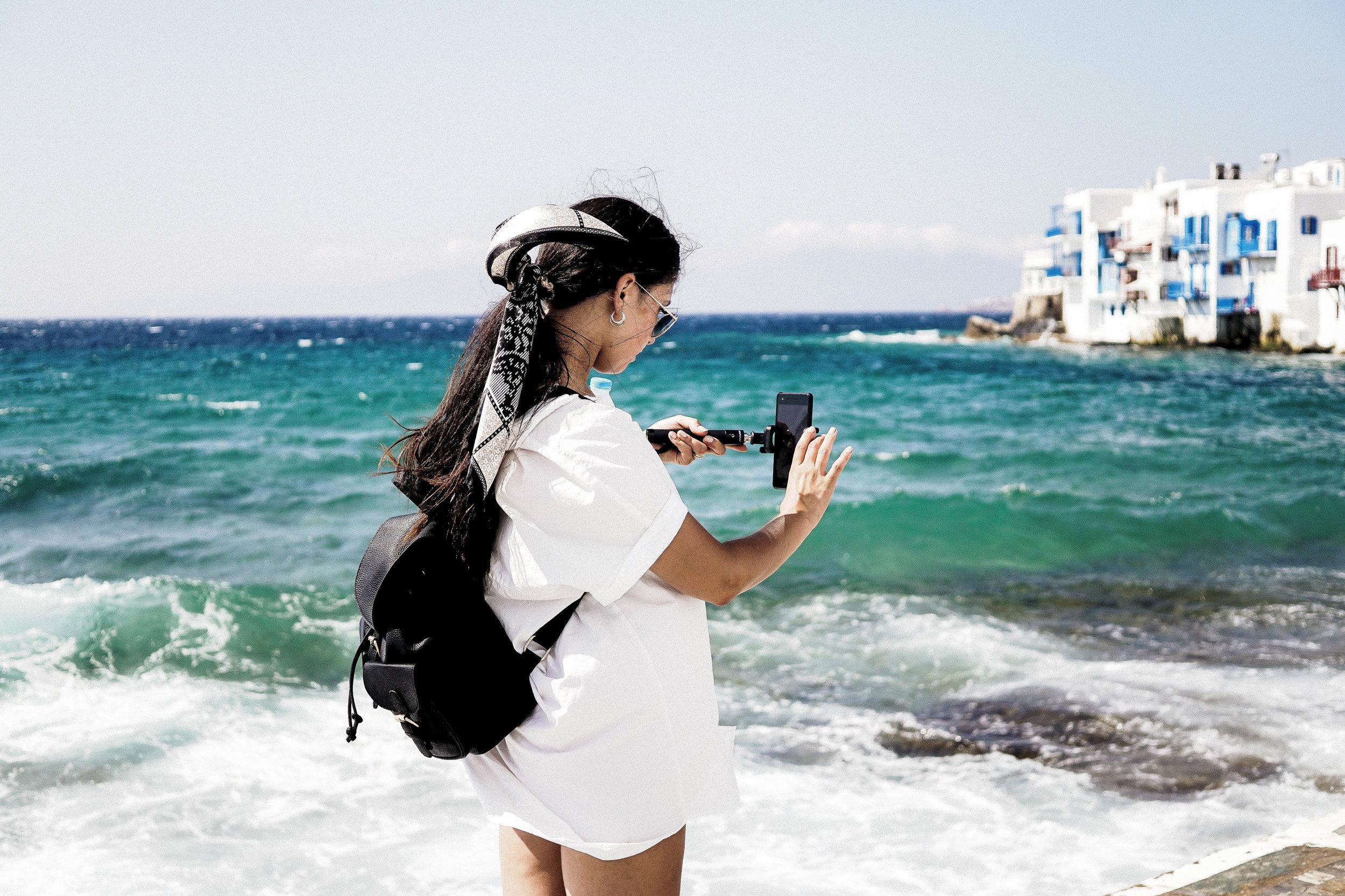 Always+Looking+For+The+Magic+-+A+Honeymoon+Diary+From+Greece+(Mykonos+&+Santorini).jpeg