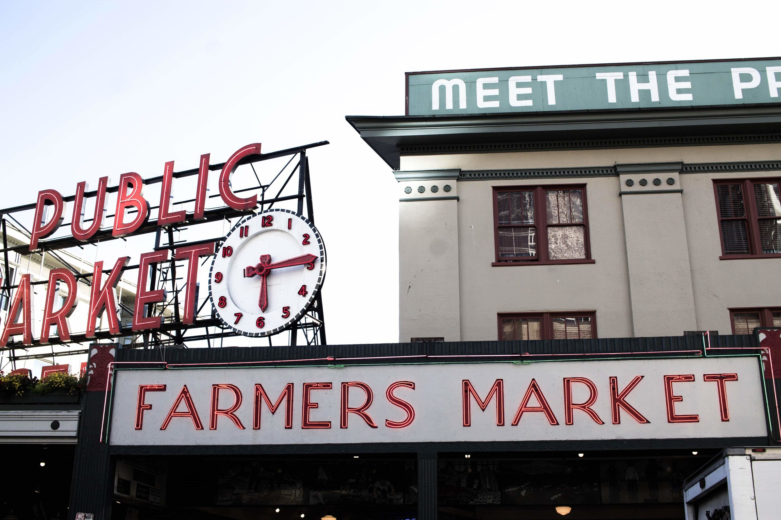 Always_Looking_For_The_Magic_Seattle_City_Guide